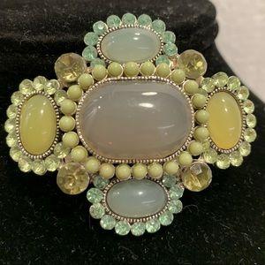 🌹Stunning broach / pendant. Gorgeous colors